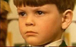 Barry Winch as Tommy Walker