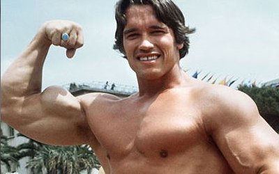 Arnold Schwarzenegger showing off his muscles