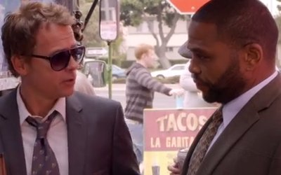 Greg Kinnear and Anthony Anderson in Three Strikes
