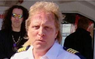 Sig Hansen overboard!