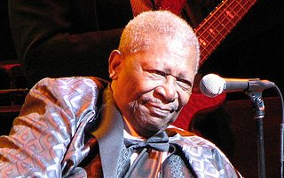 BB King onstage (Toronto, 2007) by Piedmontstyle (wikipedia)