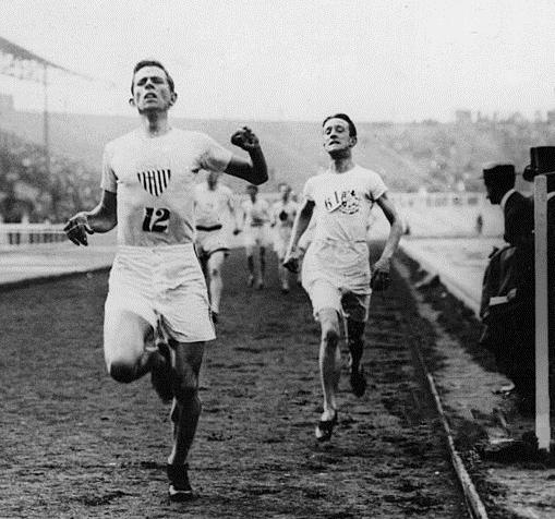Mel Sheppard winning the 1500 meters at 1908 London Olympics